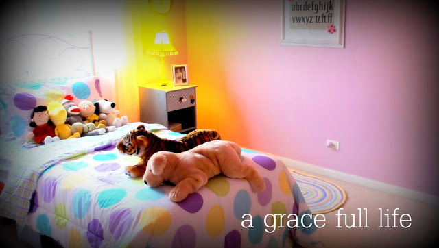 Peaceful little girl room makeover