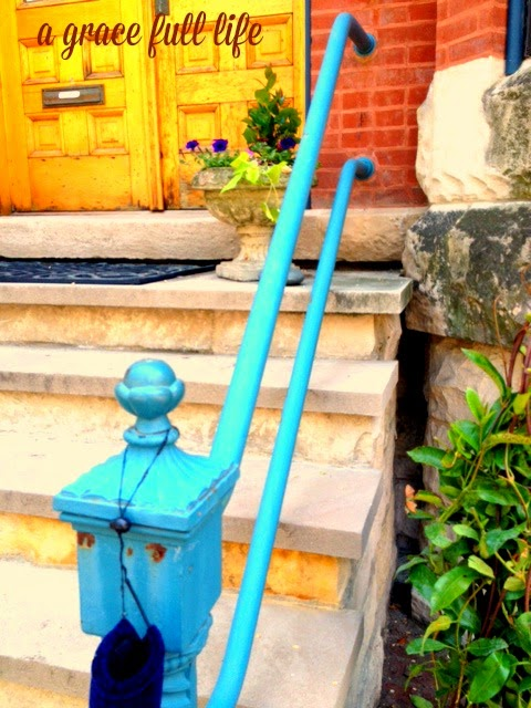 Cool Blue Railing Chicago Old Town